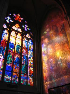 聖ヴィート大聖堂輝くステンドグラス