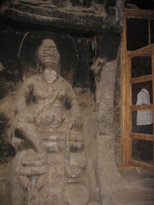 エローラ第12窟仏殿守門神