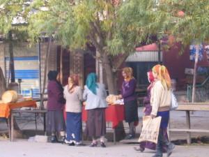 ナンの街頭販売(ウパール村)