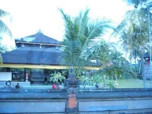 バリ島 村の集会所