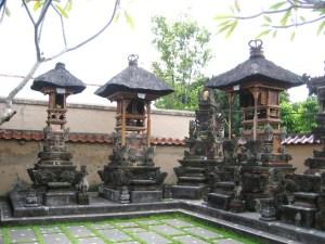 バリ島 屋敷寺