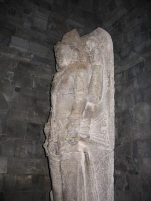 プランバナン寺院ヴィシュヌ像