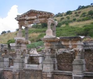 エフェスの遺跡 トラヤヌスの泉