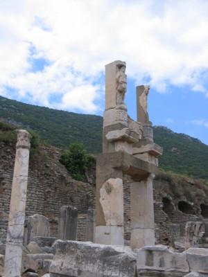 エフェスの遺跡 ドミティアヌス神殿