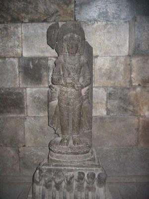 プランバナン寺院 ナンディ堂