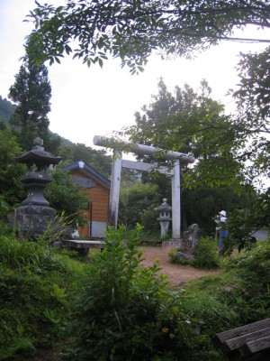 三国峠 御坂三社神社
