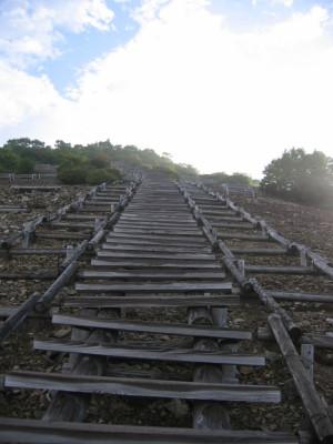 三国山 木道階段