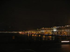 夜景:ネヴァ川とエルミタージュ
