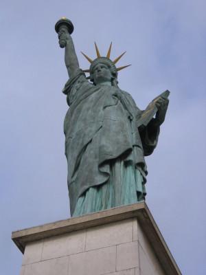 パリ・自由の女神
