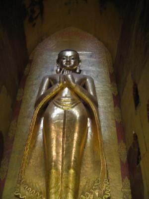 バガン アーナンダー寺院 ブッダ