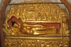 バガン アーナンダー寺院 涅槃仏