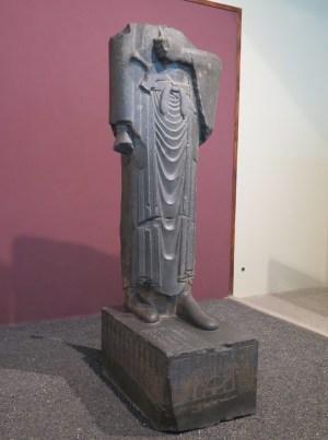 ダリウス大王の像(エジプト製造)
