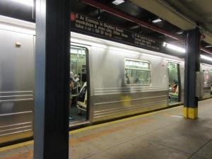 地下鉄 72St駅