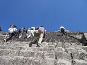 テオティワカン遺跡 月のピラミッド