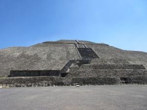 テオティワカン遺跡 太陽のピラミッド
