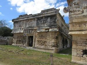 尼僧院と教会 チチェン・イツァ遺跡