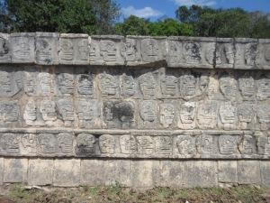 骸骨の壁 チチエン・イツァ