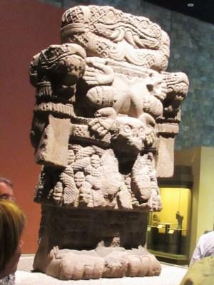 コアトリクエの巨像 アステカ ミュゼ