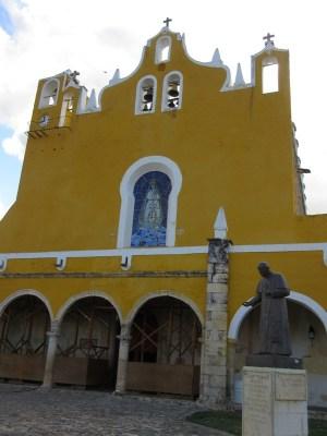 修道院 イサマル