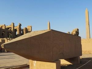アメン神殿のオベリスク