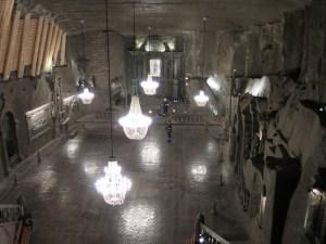 ヴィエリチカ 岩塩坑内の教会
