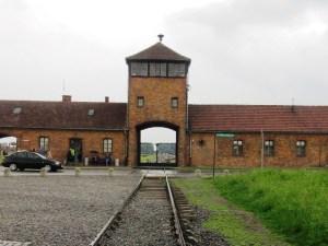 第二アウシュヴィッツ強制収容所の門
