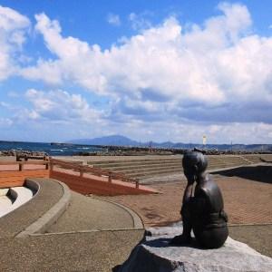 良寛禅師の像(生誕の地出雲崎)