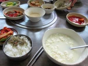 韓国 カンヌン食堂の朝食