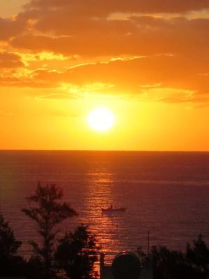 久米島イーフビーチの日の出